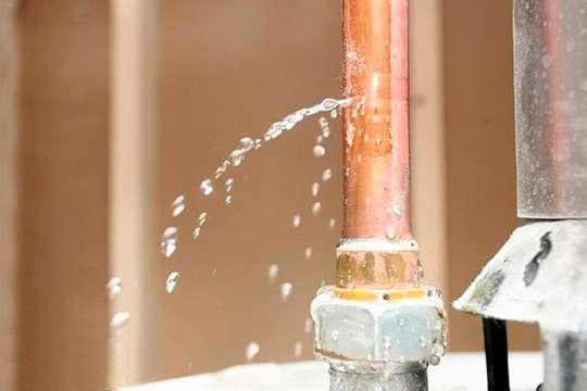 6 способов, как устранить течь из металлической трубы