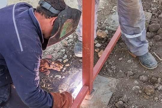 Как использовать профильные трубы для частного строительства