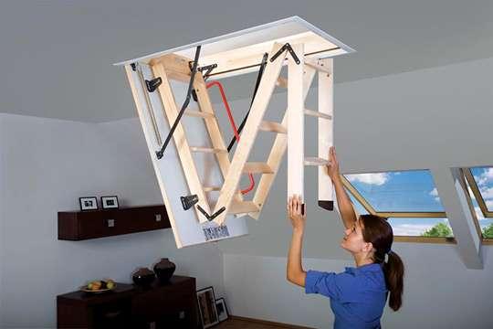 Как выбрать простую и комфортную деревянную чердачную лестницу