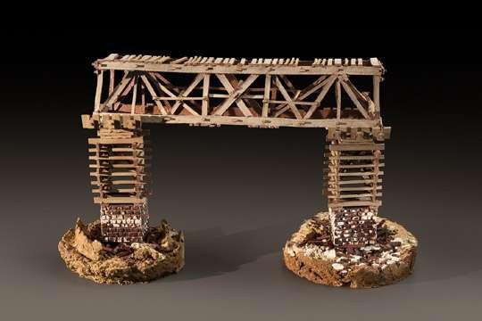 Влияние времени на архитектуру показали при помощи керамики