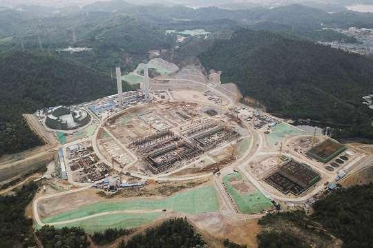Самый большой завод сможет перерабатывать 5 тыс. т мусора в сутки
