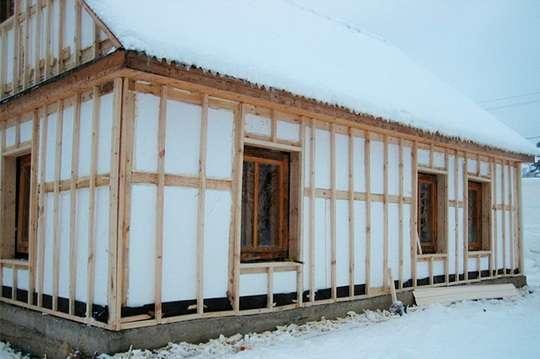 Чем лучше утеплить дом: минватой или пенополистиролом
