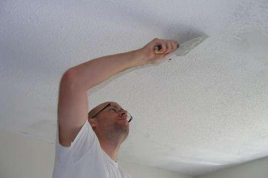 Как убрать трещины на потолке за пять шагов. Видео
